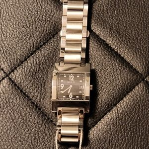 Authentic Gucci Stainless Steel Quartz Watch